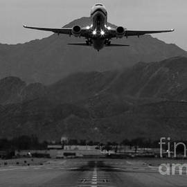 John Daly - Alaska Airlines Palm Springs Takeoff