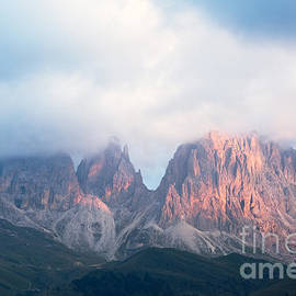 Matteo Colombo - Alpenglow on the Dolomites