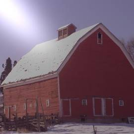 An Old Red Barn  by Jeff Swan