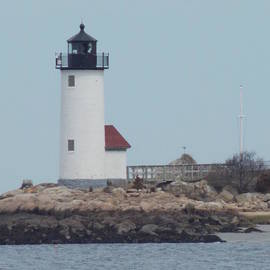 Annisquam Harbor Lighthouse by Catherine Gagne