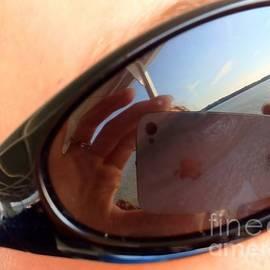 Samantha Glaze - Apple Glasses