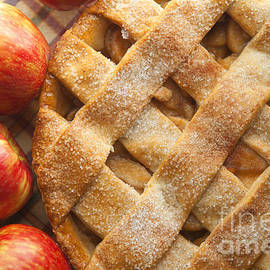 Apple Pie with Lattice Crust by Diane Diederich