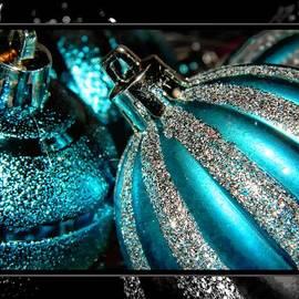 Aqua Baulbs by Michelle Frizzell-Thompson