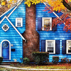 Mike Savad - Autumn - House - Little Dream House