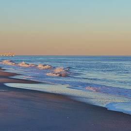 Cynthia Guinn - Beautiful Ocean In NC