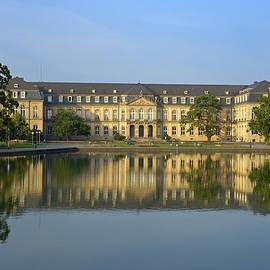 Matthias Hauser - Beautiful reflection in the water - New Palace Stuttgart