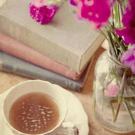 Toni Hopper - Birthday tea time