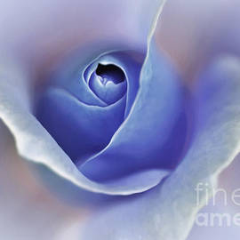 Kaye Menner - Blue Elegance