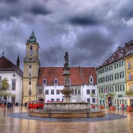 Juli Scalzi - Bratislava Old Town Hall