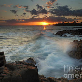 Brennecke Wave Breaking by Mike Dawson