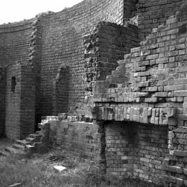 Gustave Kurz - Bricks In Your Wall
