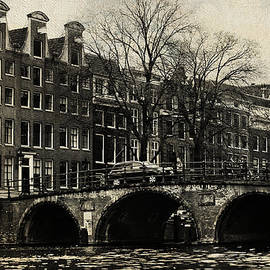 Jenny Rainbow - Bridge. Amsterdam