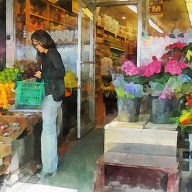 Hoboken NJ - Buying Fresh Fruit by Susan Savad