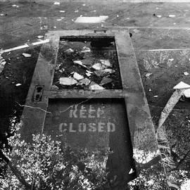 Can't keep it closed by Belka Romashka