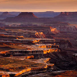 Canyonlands Sunset by Radek Hofman