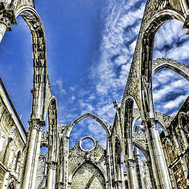 Carmo Convent Lisbon by Phil Darby