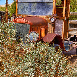 China Ranch Truck by Jerry Fornarotto