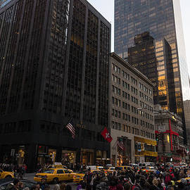 Christmas Shopping on the World Famous Fifth Avenue