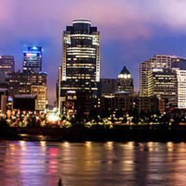 Gregory Ballos - Cincinnati Skyline Panorama