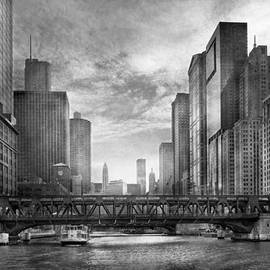 Mike Savad - City - Chicago IL - Looking toward the future - BW