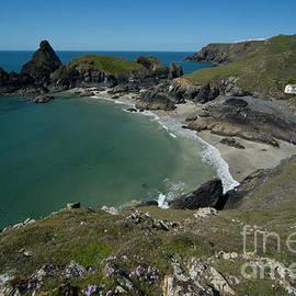 Cliffs in Bretagne by Jaroslaw Blaminsky