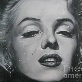 Close Up Marilyn by Sukalya Chearanantana