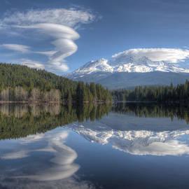 Cloud Dance by Loree Johnson