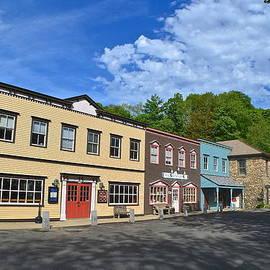 Marjorie Tietjen - Colorful New England