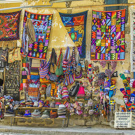 Colorful textile for sale in Peru by Patricia Hofmeester