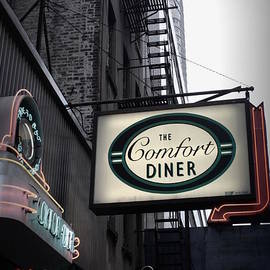 Miriam Danar - Comfort Diner New York