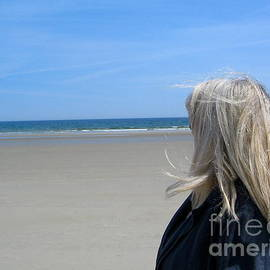 Denise Mazzocco - Contemplating the Stillness