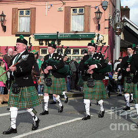Corduff Pipe Band St Patrick's Day Parade by Ros Drinkwater