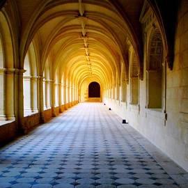 Nathalie Hope - Corridor