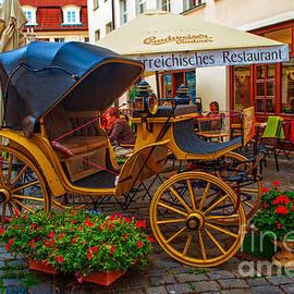Jenny Rainbow - Cosy Restaurant Na Kampe. Prague