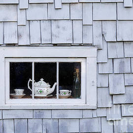 Cottage Window by Alan L Graham