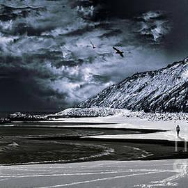 Stelios Kleanthous - Deep into that darkness