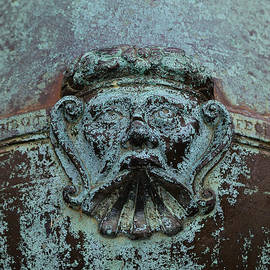 Edward Fielding - Detail of a bronze mortar