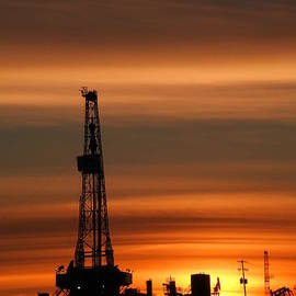 Jeff Swan - Dusk and an oil rig