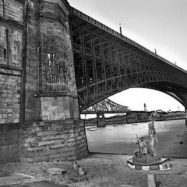 Eads Bridge With The Captain Returns Statue Bw by David Coblitz