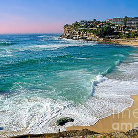 Early Morning Bronte Beach by Kaye Menner
