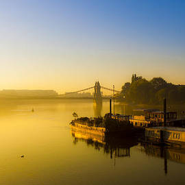 Matthew Bruce - Early morning on the Thames near Hammersmith