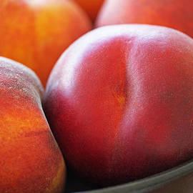 Rona Black - Eat a Peach