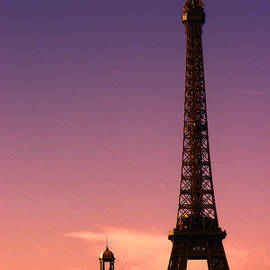 Eiffel Tower at Sunset by Lynn Bolt