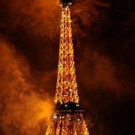Eiffel Grandeur by Csilla Florida