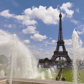 Eiffel Tower from Trocadero by Maj Seda