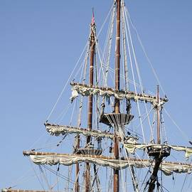 El Galeon Masts by Bradford Martin