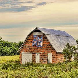 Electric Fan Quilt Barn by Cricket Hackmann