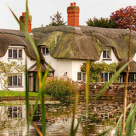 English Thatched Cottage by Sarah Broadmeadow-Thomas