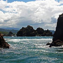 Bob Hislop - Entering Drake Bay