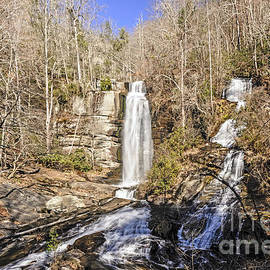 Falls in the Winter by Elvis Vaughn